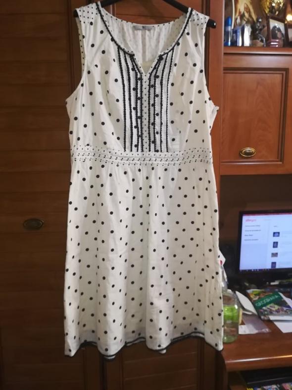 TU śliczna sukienka w groszki dla lekko puszystej 44