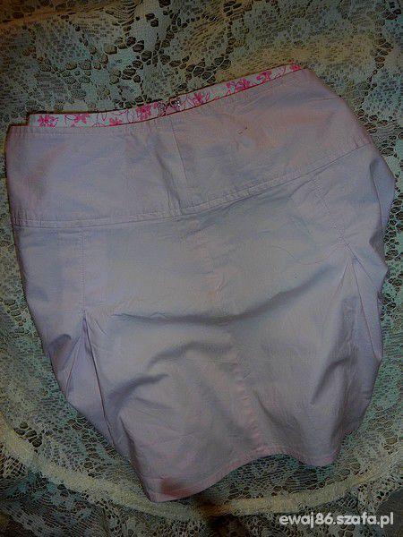 NEW LOOK pudrowa spódniczka...