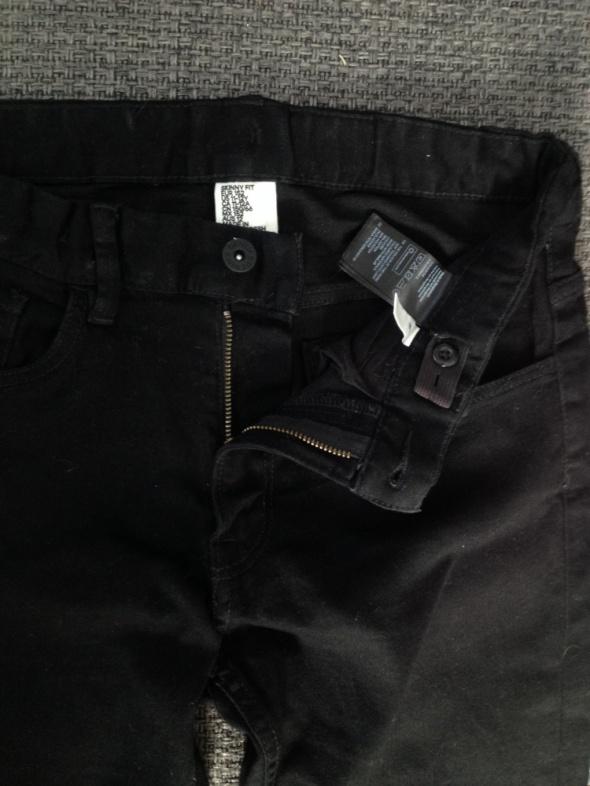 czarne spodnie chłopięce H&M 152