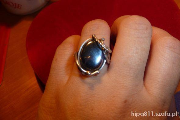 srebrny z hemarytem i gałązkami