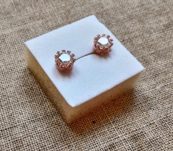 Nowe kolczyki sztyfty okrągłe złoty kolor różowe złoto cyrkonia biała