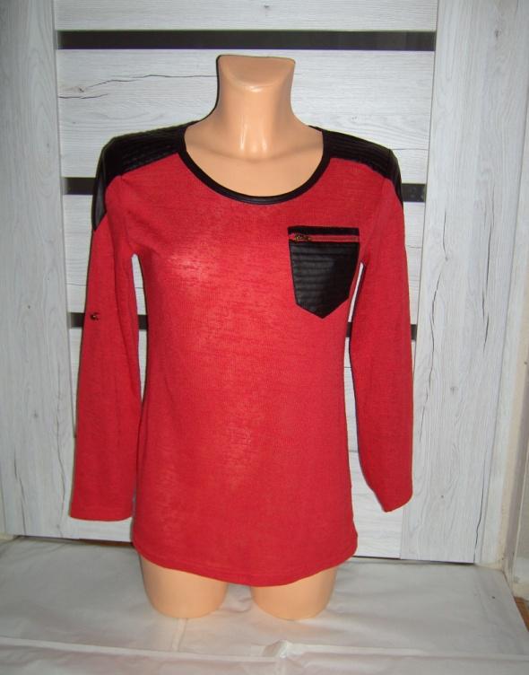 czerwona bluzeczka czarne wstawki ML