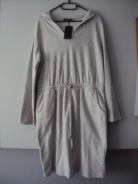 dresowa sukienka z kapturkiem