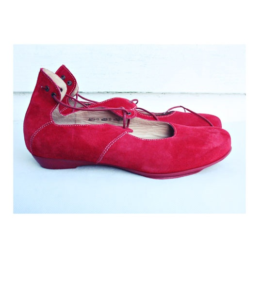 Zamszowe buty Think
