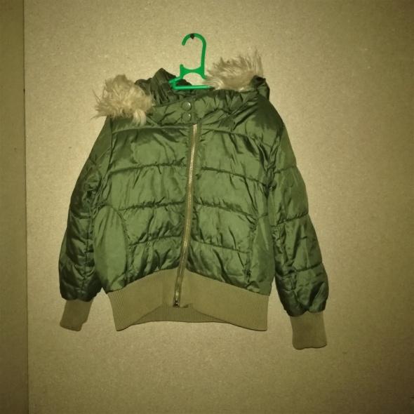 H&M Zielona pikowana zimowa kurtka z kapturem 110 cm 4 5 lat