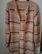 długi ciepły sweter kardigan pudrowy róż NOWY...