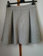 Bawełniana spódniczka mini pikowana jak nowa idealna