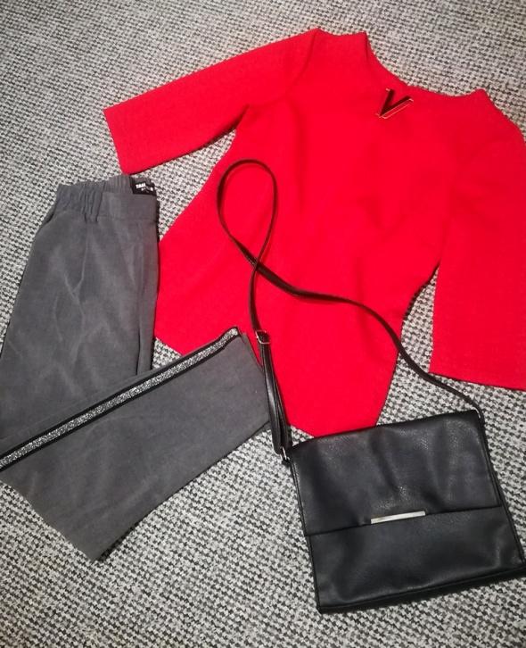 Bluza czerwona elegancka...