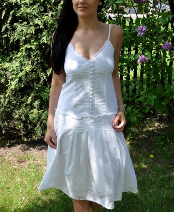 letnia biała sukienka...