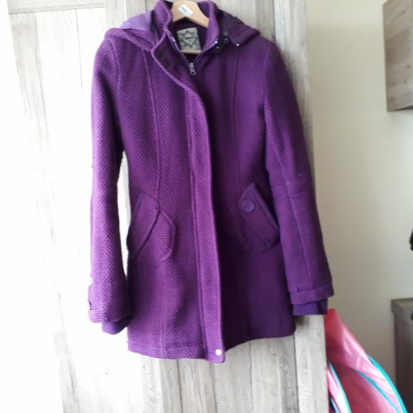 Płaszczyk damski zimowy fioletowy kurtka House roz M