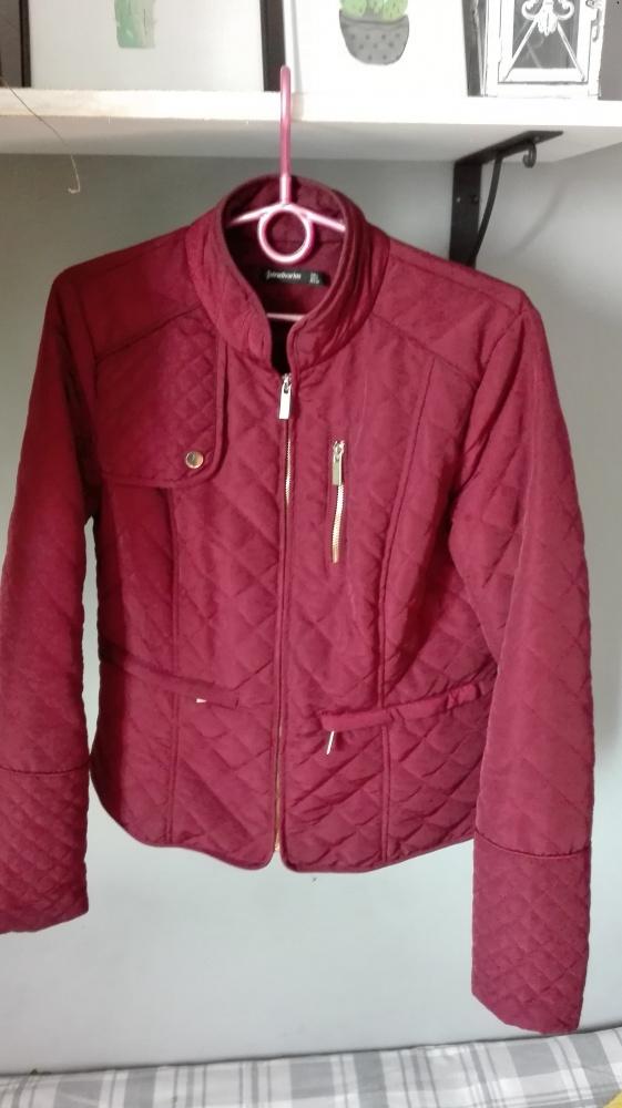 Odzież wierzchnia Stradivarius bordowa pikowana kurtka