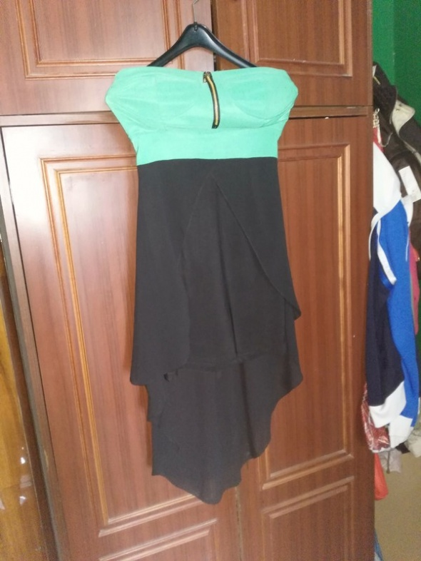 Zielona sukienka z trenem M