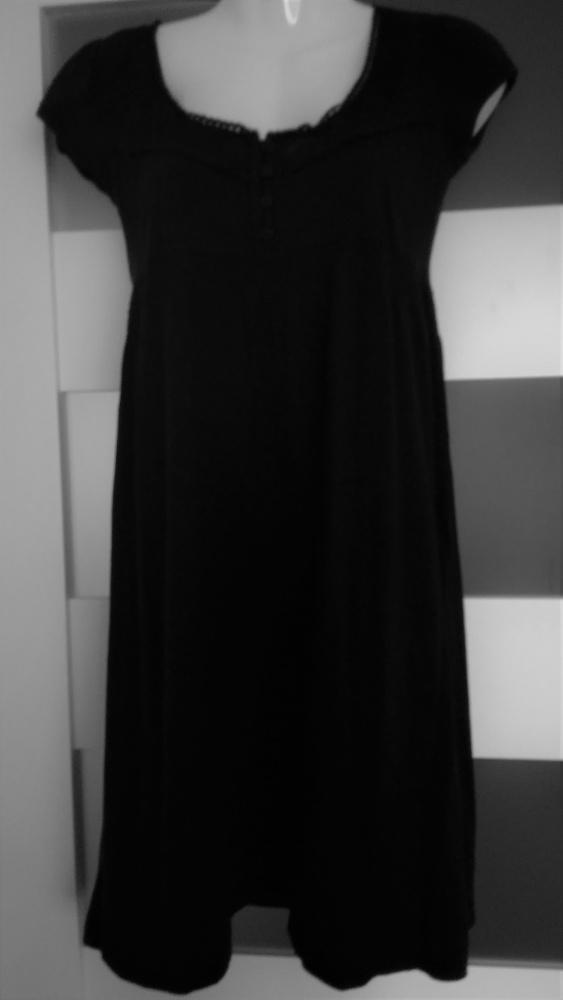 Czarna sukienka cubus odcinana pod biustem XS