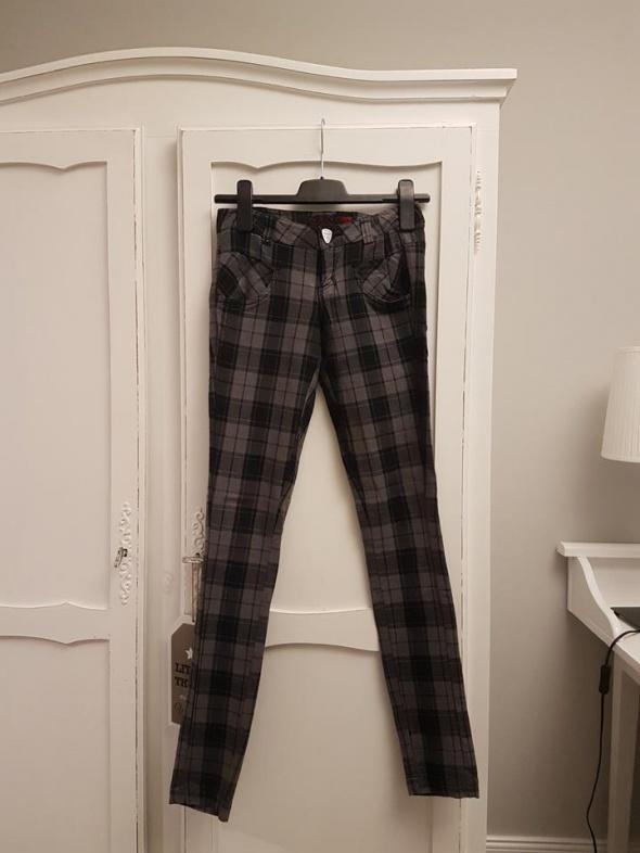 jeansy rurki w kratkę House...