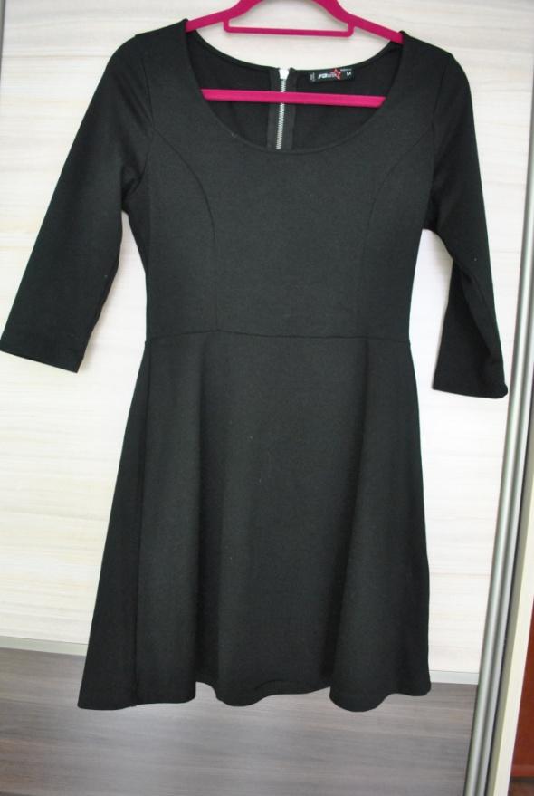 Czarna sukienka New yorker