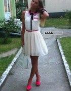 Świetna sukienka z neonowym akcentem