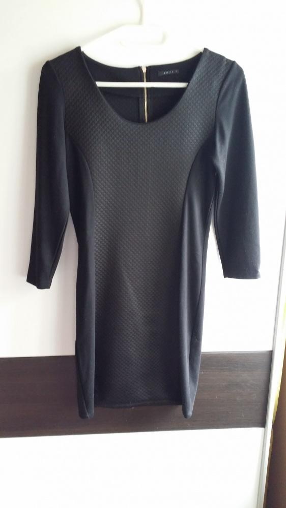 Dopasowana sukienka Mohito S...