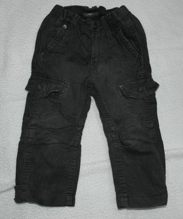 Spodnie sztruks grafit 92...