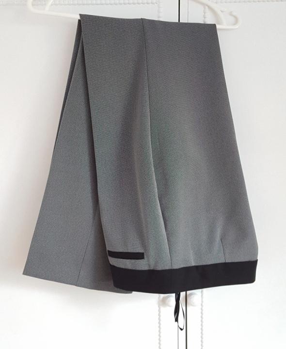 d7e9a616d1656 Spodnie F&F 40 L garniturowe w kant drobny wzorek szare lekkie.