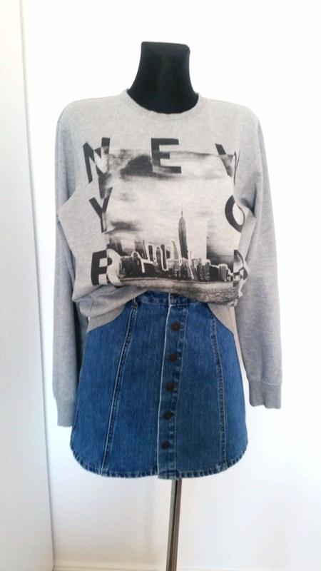 Szara bluza z nadrukiem New York City H&M...