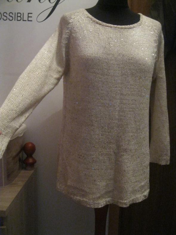 bluzka sweterek M cekiny oversize kremowy