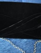 Czarna welurowa kopertówka