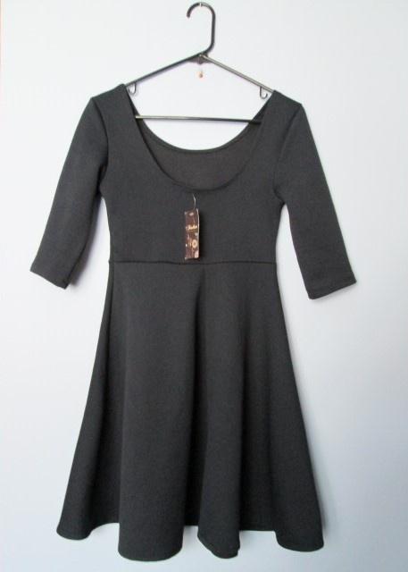 Granatowa rozkloszowana sukienka rękaw 34