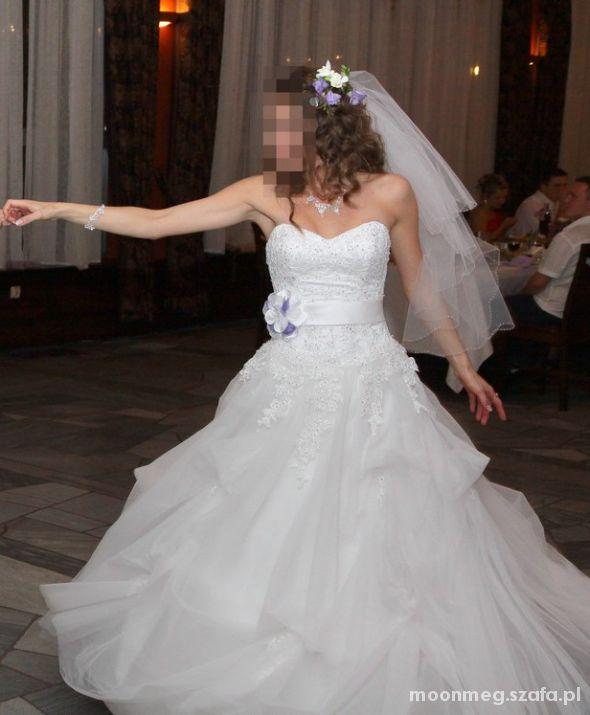 Biała Suknia Ślubna...