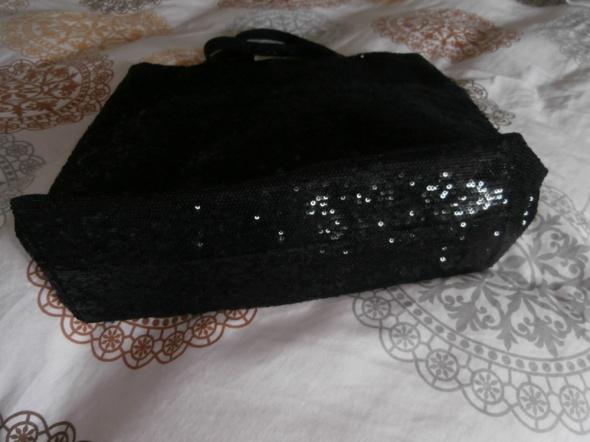 Czarna cekinowa torba