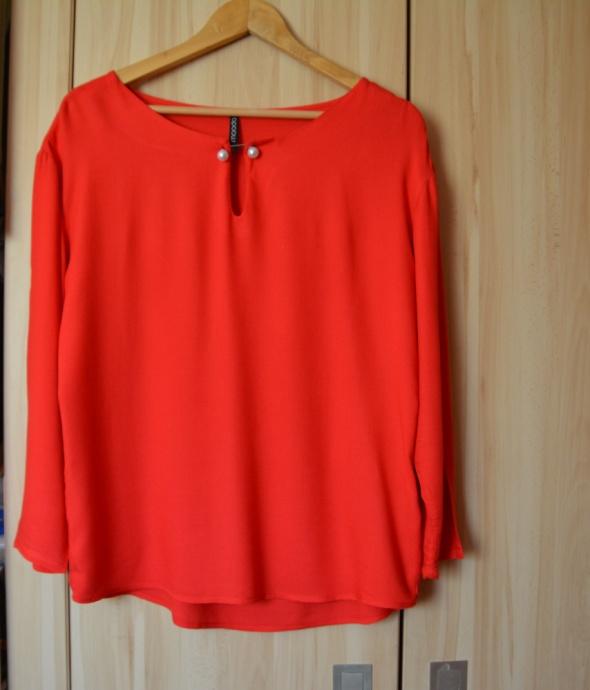 Piękna czerwona bluzka MOODO SM