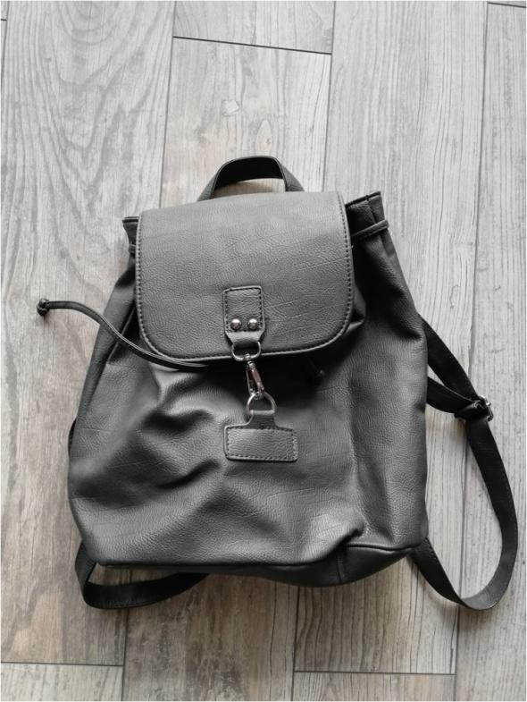 Szary plecaczek nowy A4