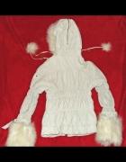 Biała skóra z pomponami bluza z kapturem...