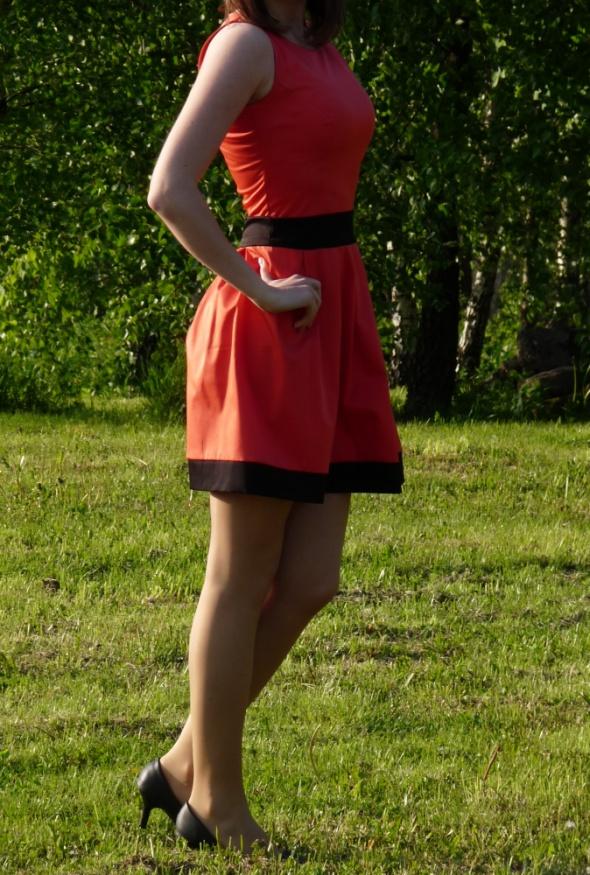 Suknie i sukienki rozkloszowana sukienka s m