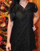 czarna sukienka z koronki...