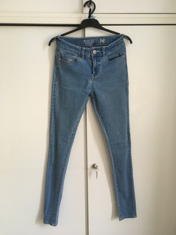 jeansy Noisy May rozm 25 pasują na S małe M