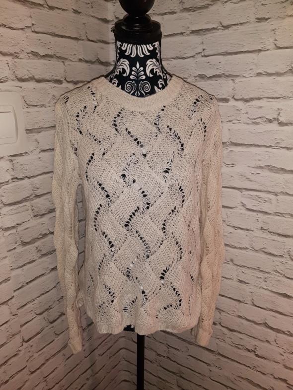 Idealny beżowy ażurkowy sweterek...