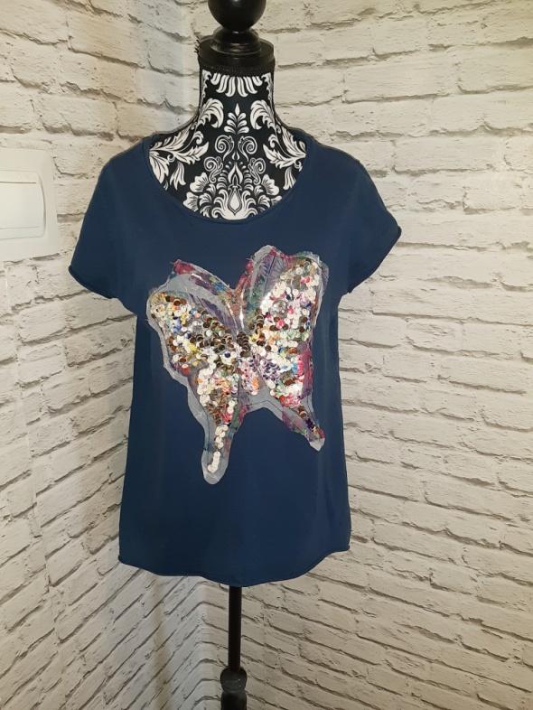 Granatowa bluzka z motylem