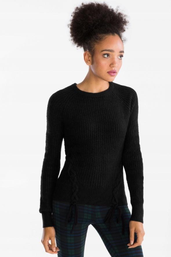NOWY c&a czarny sweter z ozdobnym sznurowaniem...