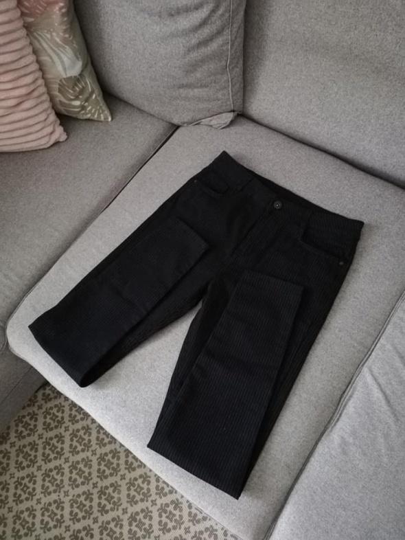 NOWE c&a czarne spodnie w prążki...