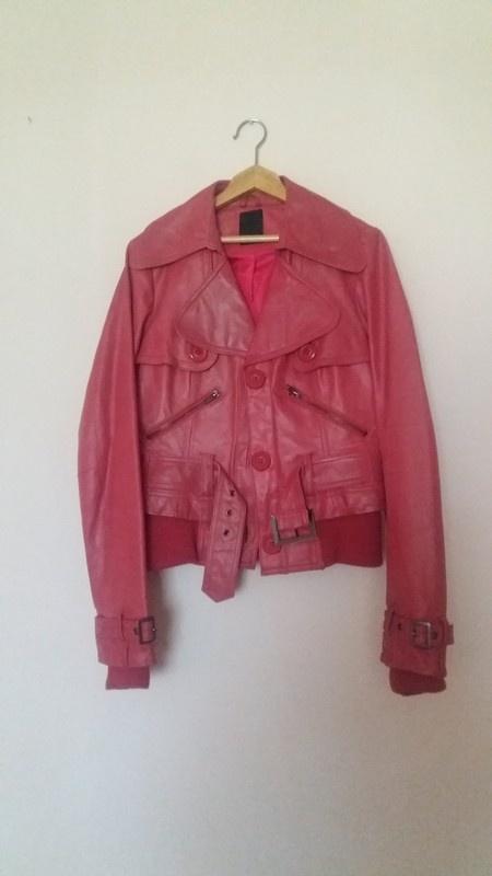 Czerwona skórzana kurtka ramoneska Vero Moda