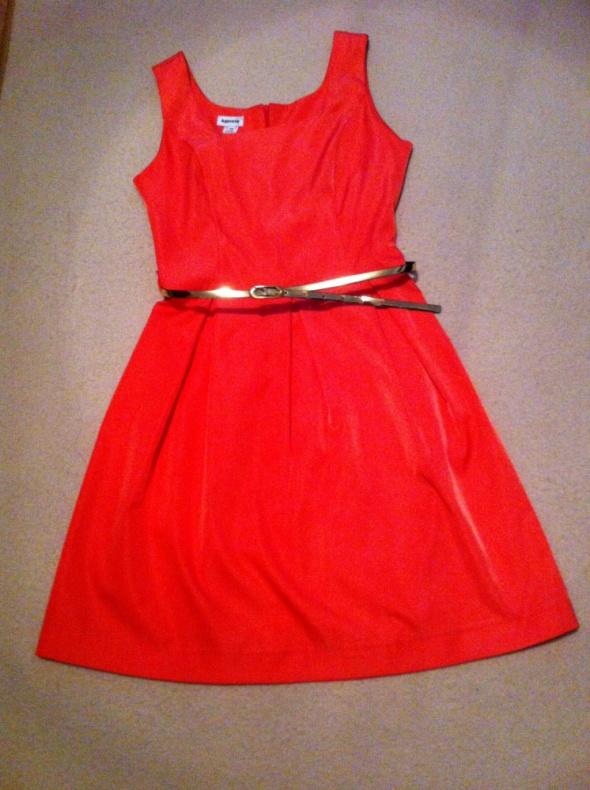 Malinowa sukienka 36 na bal sylwestrowy