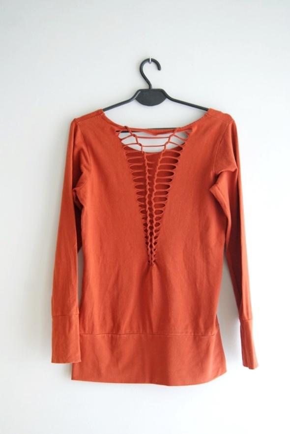 pomarańczowa bluzka długi rękaw z ciekawym tyłem 36 S
