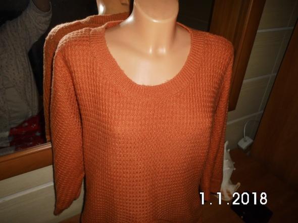 sweter modny