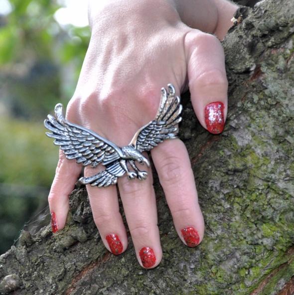 pierścionekna trzy palce Orzeł