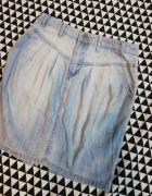 Spódniczka z jasnego jeansu...
