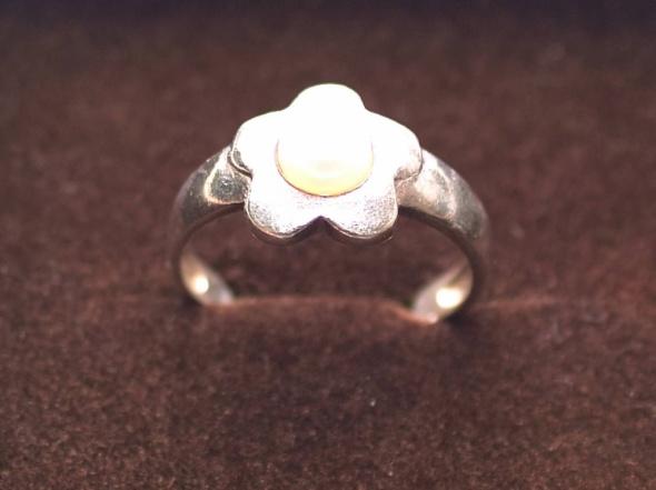 Pierścionek z naturalną perłą srebrny Próba 925