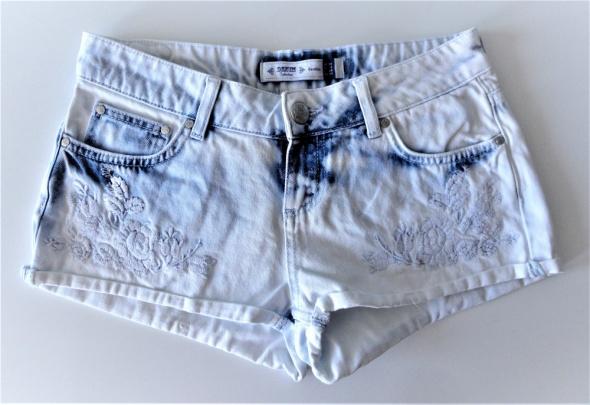 Jeansowe dżinsowe spodenki szorty hafty Bershka xs s...