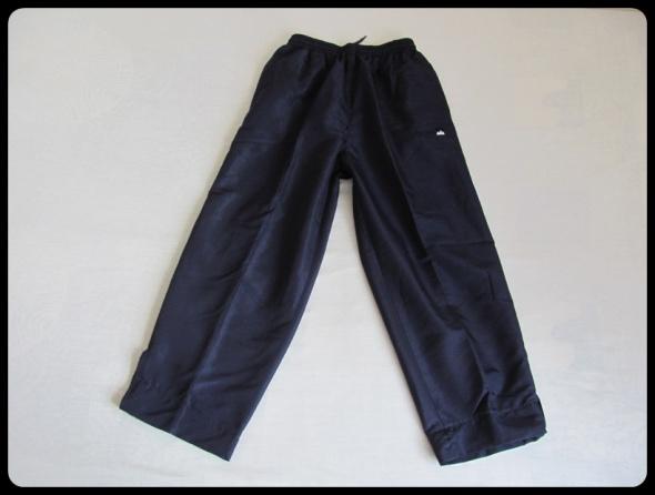 Spodnie dresowe DRESY Arison na metce L ale raczej mniejsze