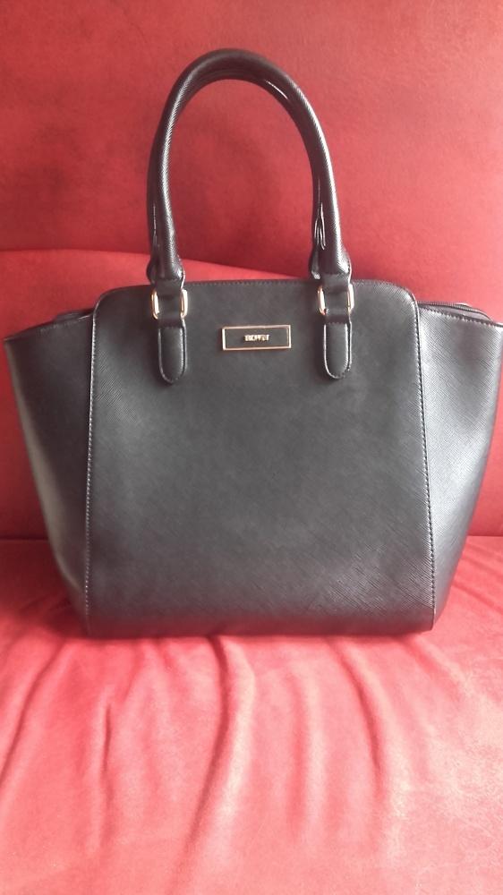 czarna modna torebka