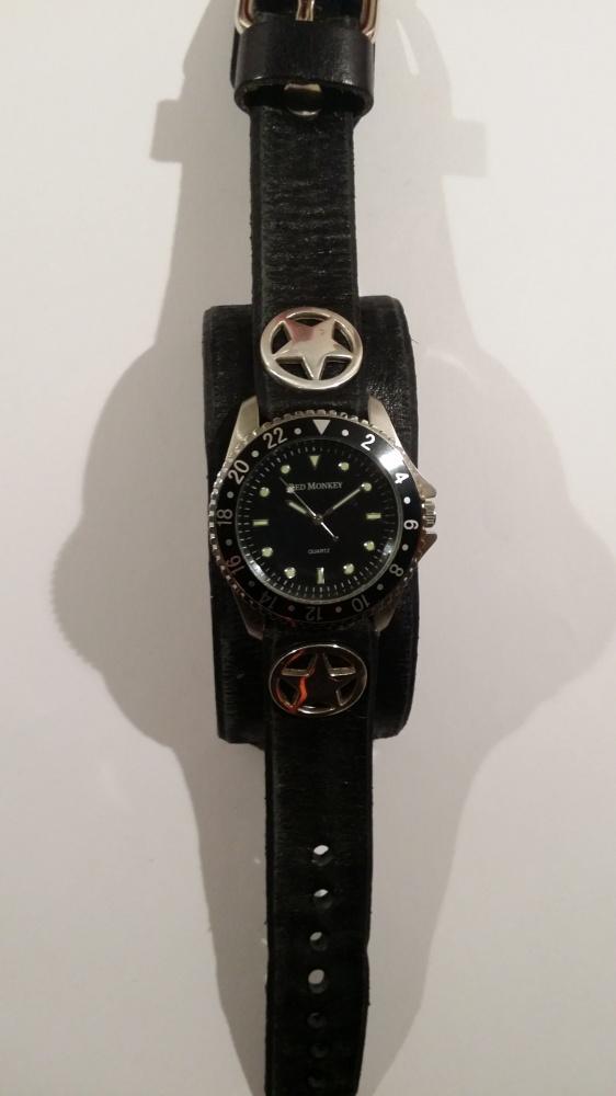 Nowy skórzany zegarek Red Monkey czarny gwiazdki